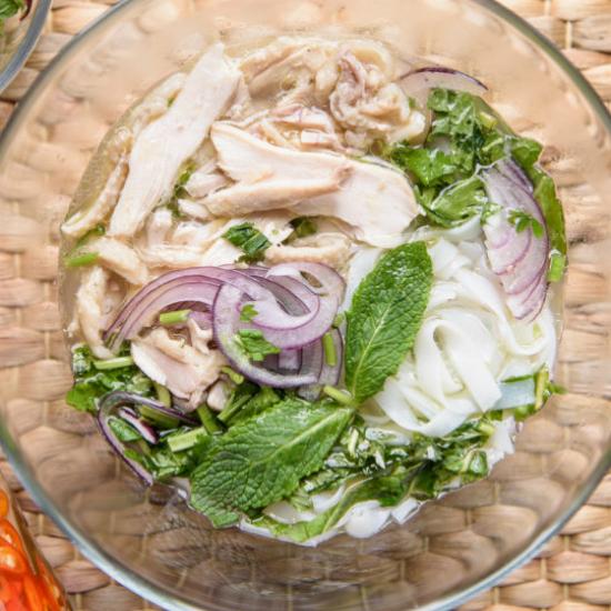 Phở gà – slepičí polévka